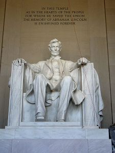 450px-Lincoln_front_shot